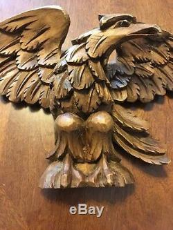 VINTAGE HAND CARVED WOOD FOLK ART EAGLE FIGURE Wall PLAQUE Made In Italy 18