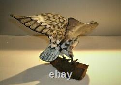 Vtg Hand Carved & Painted Wood Eagle Sculpture 8 1/4T x 8 Wing Span x 7L